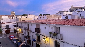Fantastic 150m2 duplex apartment for sale on the first line of the port of Ibiza