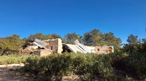 Rustic 550.000 m2 land with sea views near Ibiza for sale