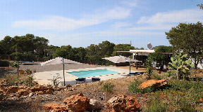 Nice villa located in a very quiet area on a hill in Cala Vadella for sale