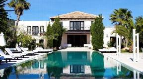 A beautiful villa for sale in Cala Jondal in Ibiza