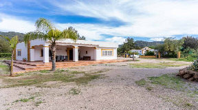 Large finca with two villas in Benimussa for sale