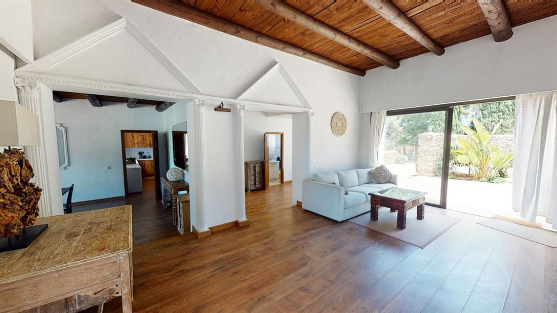 Nice villa for sale overlooking the golf course